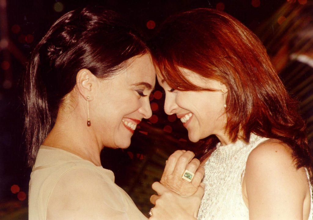 Helena (Regina Duarte) e Maria Eduarda (Gabriela Duarte) foram mãe e filhas na novela Por Amor, novela exibida pelo Vale A Pena Ver de Novo (Foto: Divulgação/TV Foco)