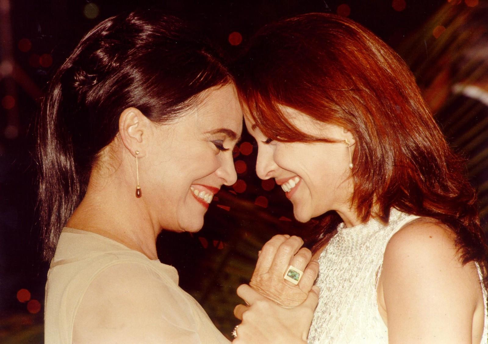 Helena (Regina Duarte) e Maria Eduarda (Gabriela Duarte) foram mãe e filhas na novela Por Amor