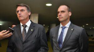 Eduardo Bolsonaro vai se casar e pediu dinheiro aos convidados (Foto: Reprodução)
