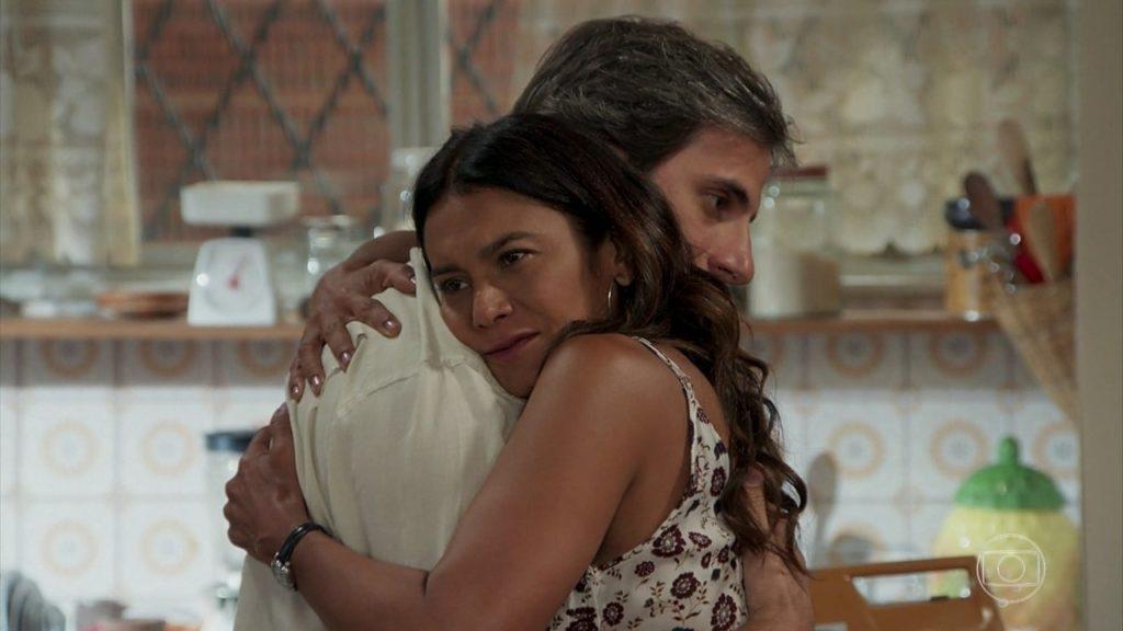 Janaina e Raumundo se rendem ao amor em Verão 90