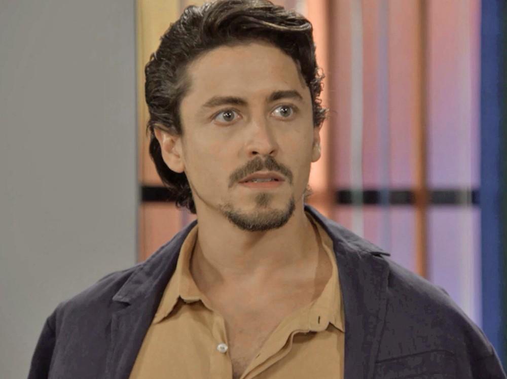 Jerônimo em cena da novela das 18h da Globo, Verão 90 (Foto: Reprodução/Globo)