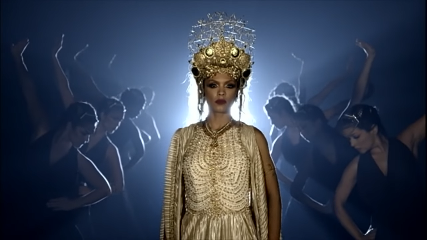 Atriz Lidi Lisboa lidi lisboa incorpora rainha m� jezabel e d� show de