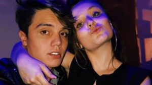 O ator da Recorc Leo Cidade namora a estrela do SBT Larissa Manoela