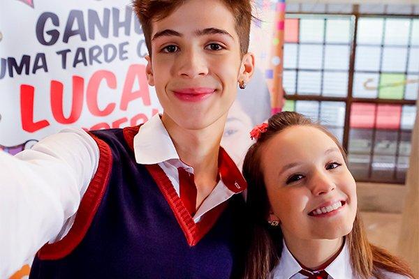 Novo casal em As Aventuras de Poliana formado por Luca (João Guilherme) e Mirela (Larissa Manoela)?