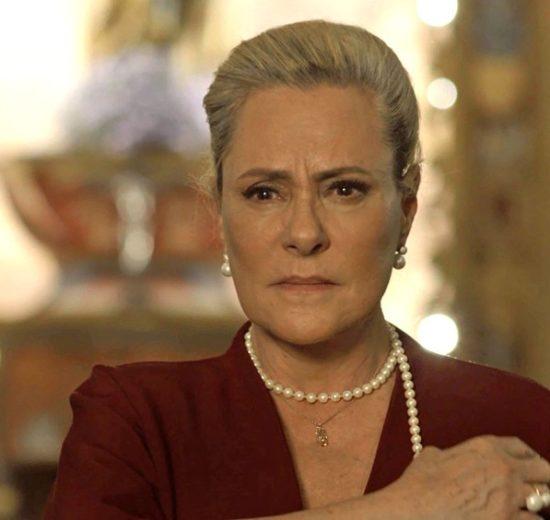 Mirtes em cena da novela O Sétimo Guardião (Foto: Reprodução)