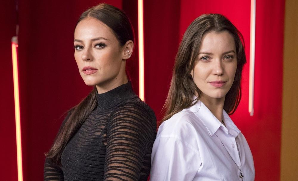 Virgínia (Paolla Oliveira) e Fabiana (Nathalia Dill) são irmãs em A Dona do Pedaço