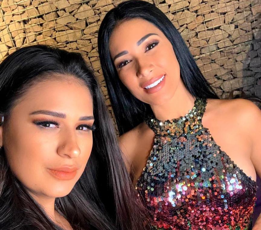 A dupla Simone e Simaria lançou seu DVD Aperte o Play