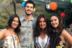 Fátima Bernardes e os filhos trigêmeos (Foto: Divulgação)