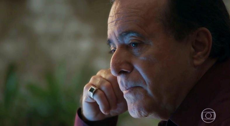 Tony Ramos vive o vilão Olavo na novela O Sétimo Guardião