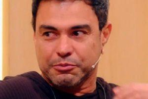 Zezé Di Camargo foi às lágrimas na Globo (Foto: Reprodução)