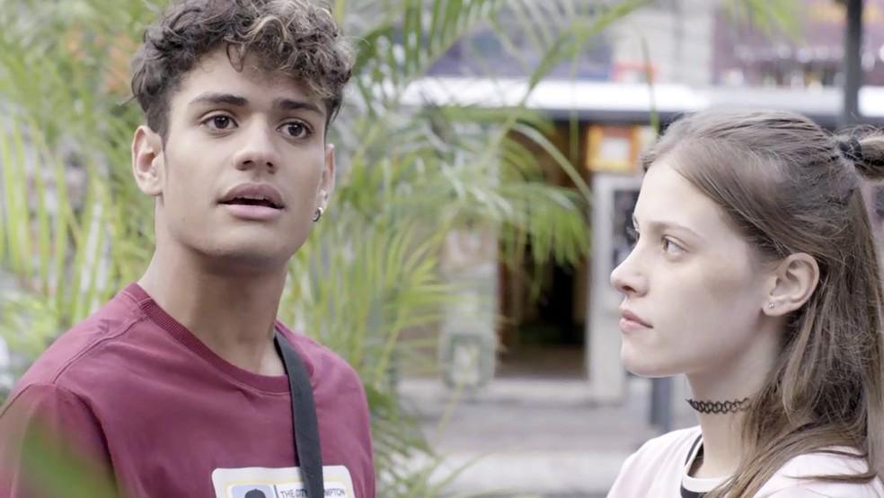 Cléber (Gabriel Santana) e Anjinha (Caroline Dallarosa) em Malhação: Toda Forma de Amar (Foto: Divulgação/Globo)