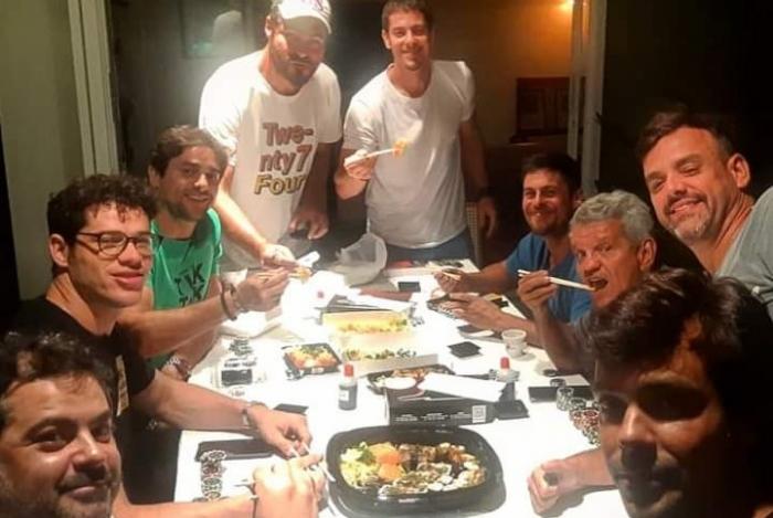 José Loreto e alguns amigos (Foto: Reprodução)