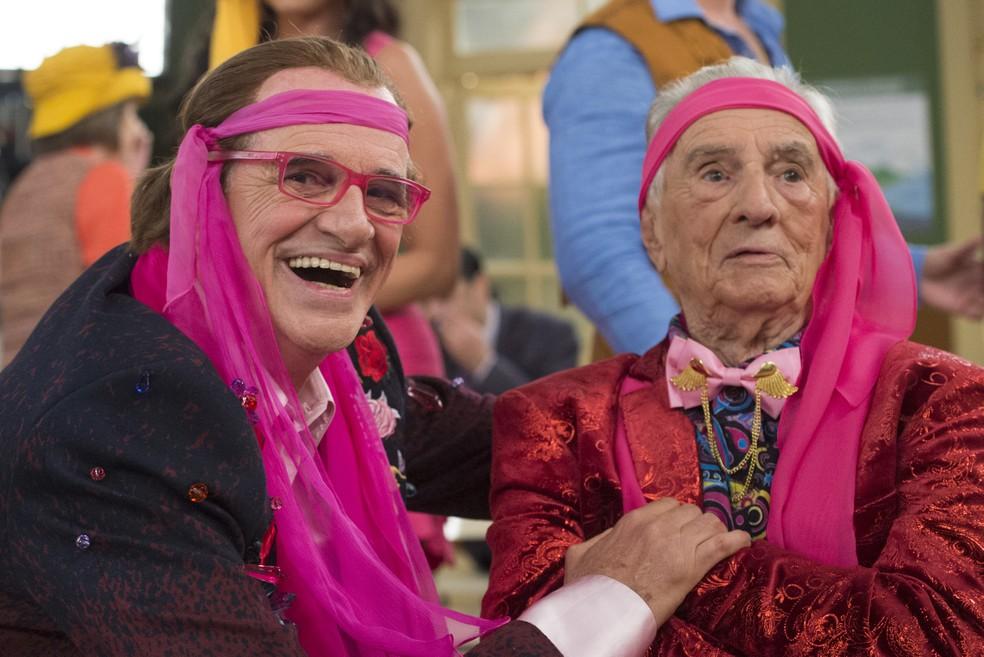 O encontro de gerações. Marcos Caruso e Seu Peru (Foto: Globo/ Estevam Avellar)