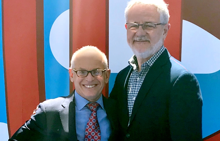 Jeff Schlesinger (Presidente da Warner Bros. International Television Distribution) e Carlos Henrique Schroder (diretor-geral da Globo) (Foto: Globo/Isabela Fonseca)