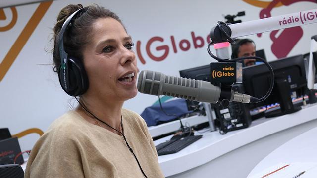 Adriane Galisteu na Rádio Globo (Foto: Reprodução)