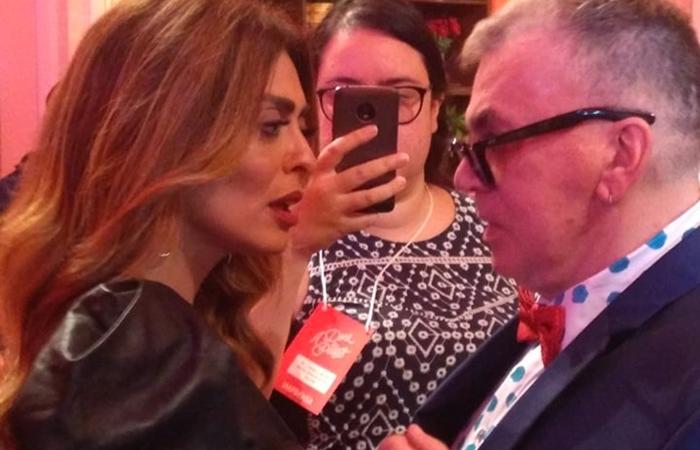 Juliana Paes e o autor Walcyr Carrasco no lançamento de A Dona do Pedaço (Foto: Vitor Peccoli/TV Foco)