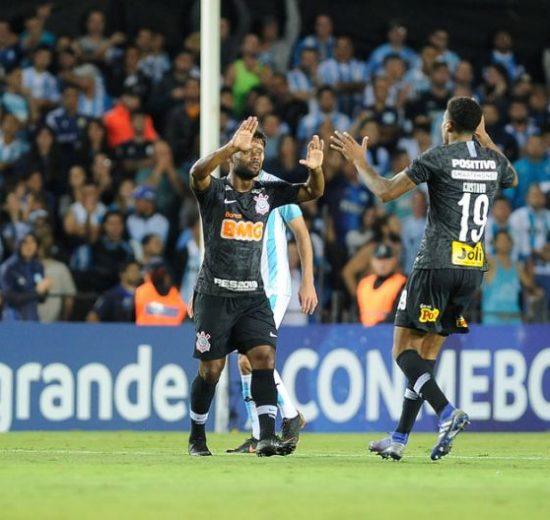 RedeTV! bateu a Globo em jogo pela Sulamericana (Foto: Reprodução)