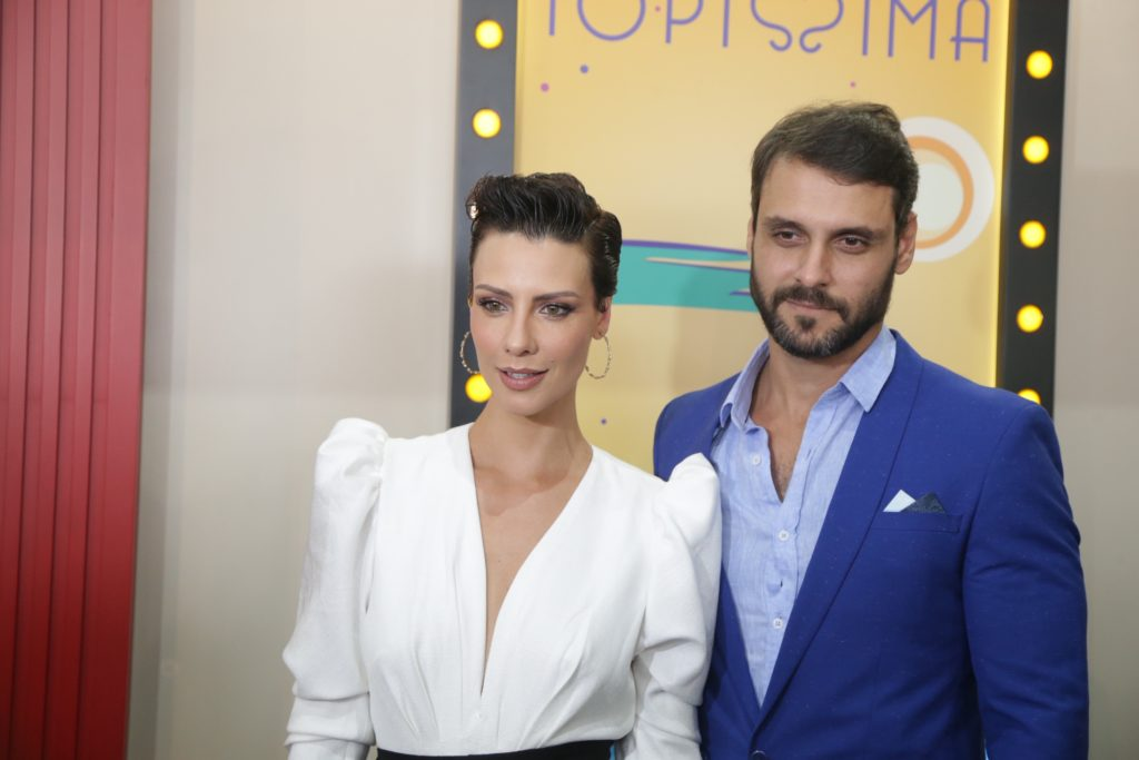 Atores protagonistas de Topíssima, Camila Rodrigues e Felipe Cunha na festa de lançamento na Record