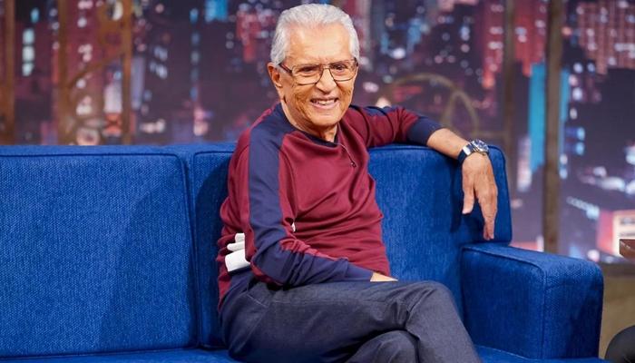 Carlos Alberto de Nóbrega, apresentador de A Praça é Nossa, em entrevista ao The Noite (Foto: Gabriel Cardoso/SBT)