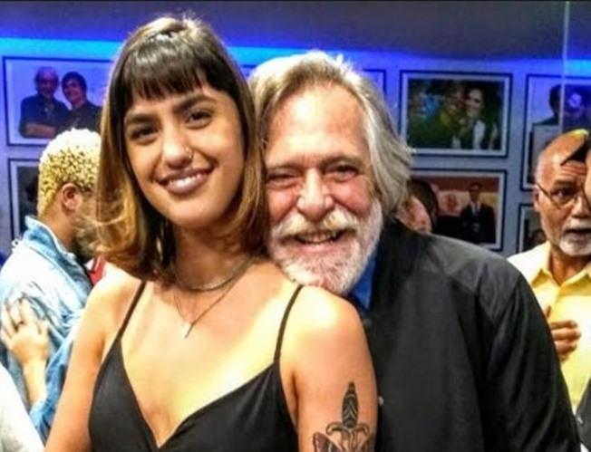 Diferença de idade entre Carol Jnger e José de Abreu é de mais de 50 anos (Foto: Reprodução)