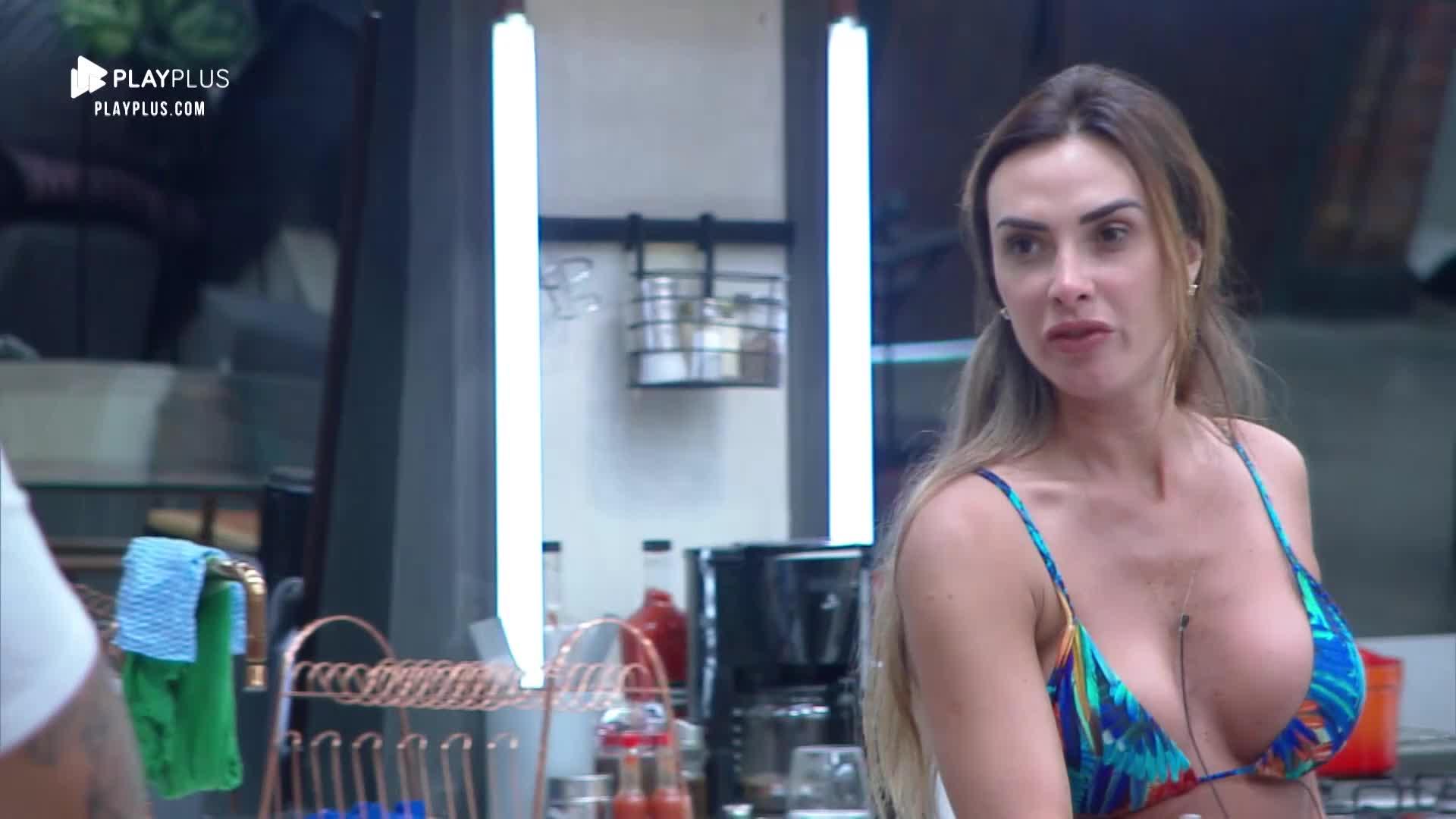 Casais se unem contra Nicole Bahls e Marcelo Bimbi no Power Couple, Record TV, ela fica traumatizada, se desespera e o pior acontece Foto: Reprodução