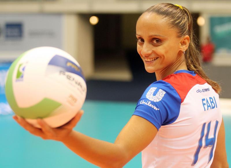 Fabi Alvim, é uma ex-jogadora de voleibol brasileira que é casada com a gerente de seleções da Confederação Brasileira de Vôlei, Julia Silva