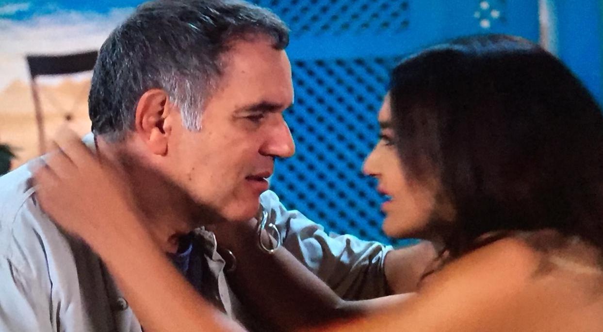 """Humberto Martins e Dira Paes na última cena do ator em """"Verão 90"""" (Foto: Divulgação/TV Globo)"""