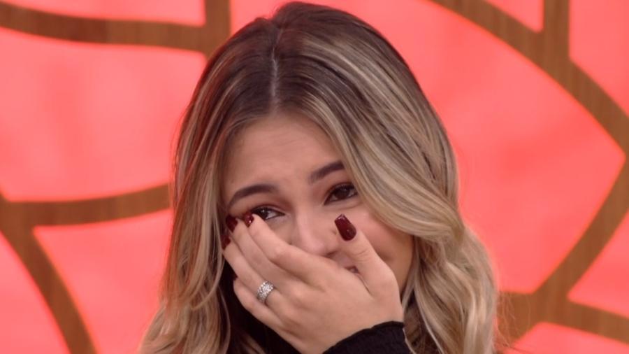 Klara Castanho, da Globo se emocionou ao falar de amizade de quase 10 anos
