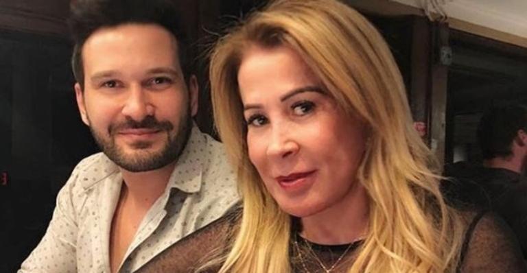 O fotógrafo Marco Ruggiero e a ex-mulher do cantor Zezé Di Camargo, Zilu Godói estão juntos há quase dois anos (Foto: Reprodução/Instagram)