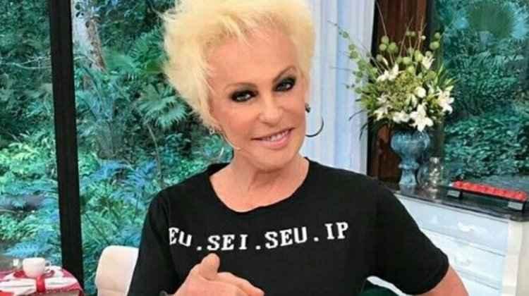 Ana Maria Braga e sua camiseta diferentona nos bastidores do Mais Você da Globo