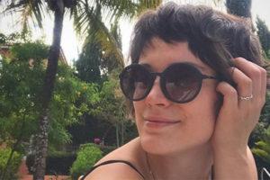 Bianca Bin mostrou tudo em foto ousada e deixou os seios à mostra (Foto: Reprodução/Instagram)