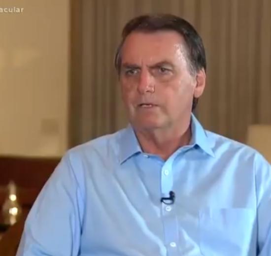 O presidente Jair Bolsonaro durante entrevista para a Record (Foto: Reprodução)