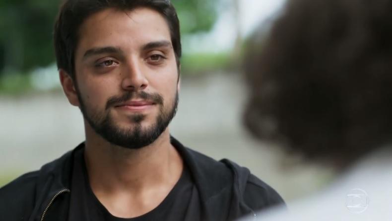 Rodrigo Simas interpreta Bruno no folhetim das seis da Globo Órfãos da Terra