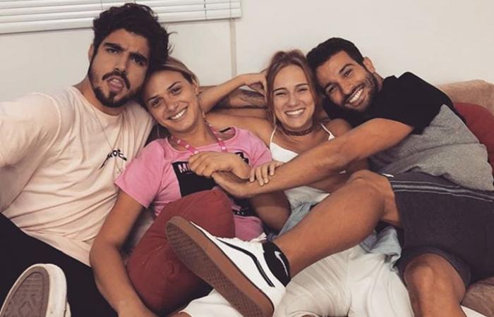 Caio Castro, Glamour Garcia, Carol Garcia e Bruno Bevan nos bastidores de A Dona do Pedaço (Foto: Reprodução/Instagram)