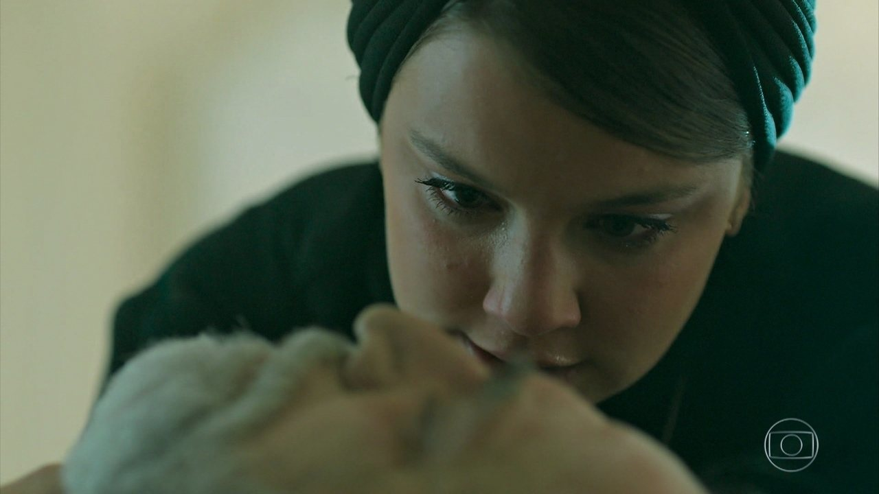 Dalila é interpretada por Alice Wegmann na novela das seis da Globo Órfãos da Terra