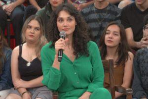 Débora Nascimento falou sobre separação de José Loreto no Altas Horas (Foto: Reprodução/Globo)