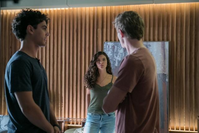 Guga (Pedro Alves), Rita (Alanis Guillen) e Filipe (Pedro Novaes) em Malhação (Foto: Globo/Raquel Cunha)