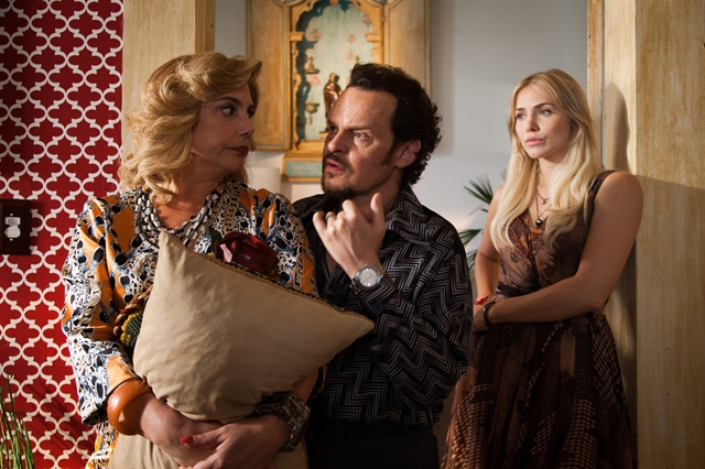 Heloisa Perissé, Matheus Nachtergaele e Letícia Colin) em cena deCine Holliúdy (Foto: Globo/Marcos Rosa)