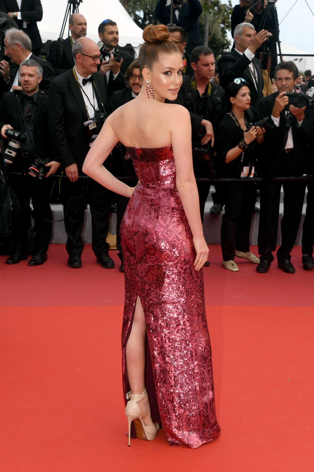 Marina Ruy Barbosa arrasando em Cannes. (Stephane Cardinale - Corbis/Getty Images)