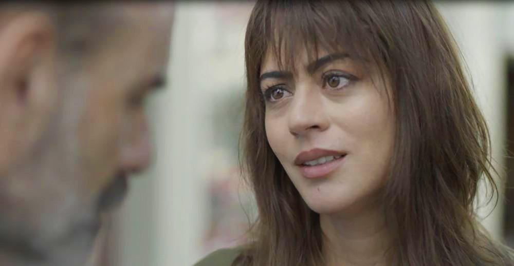 Helena (Carol Castro) é personagem da novela das seis da Globo Órfãos da Terra