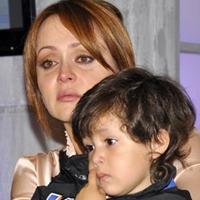 Gaby Spanic junto com o filho, Gabriel