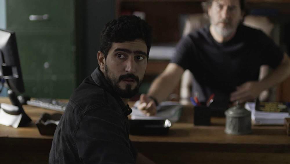 Jamil (Renato Góes) em cena na novela das seis Órfãos da Terra