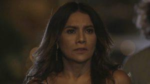 Janaína (Dira Paes) em cena na novela das sete da Globo Verão 90