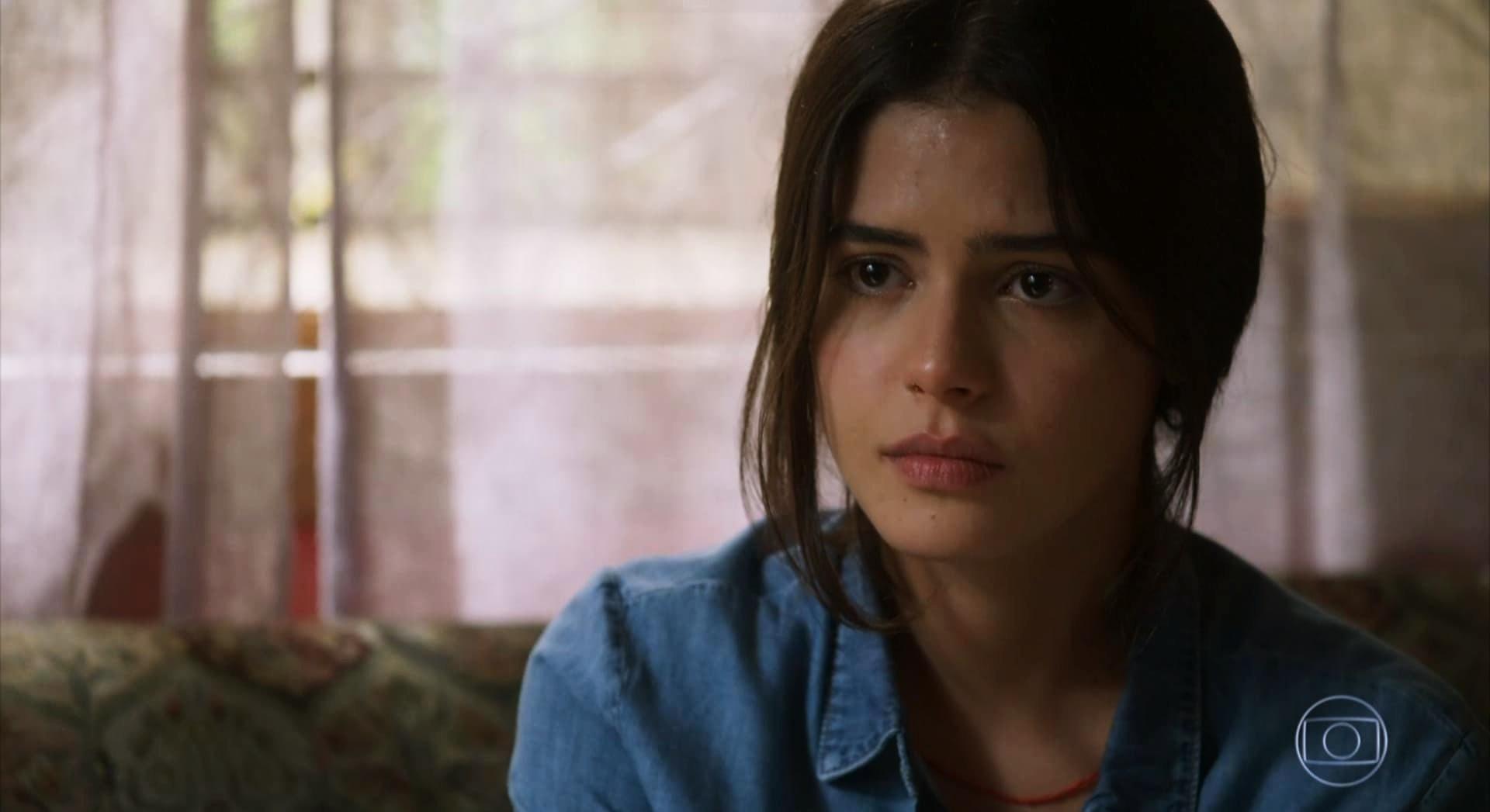 Julia Dalavia é a intérprete da mocinha Laila da novela da Globo Órfãos da Terra