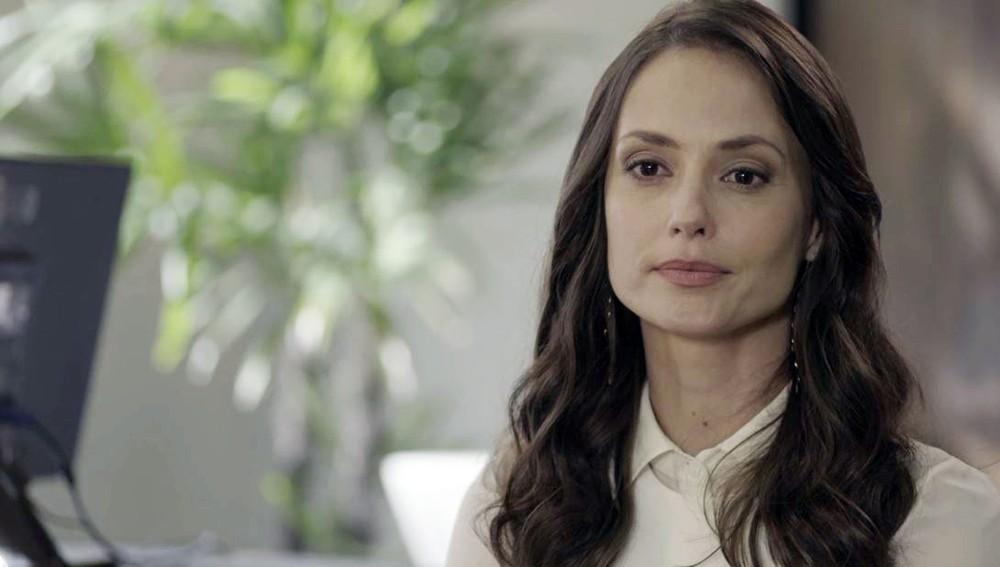 Em Malhação Toda Forma de Amar a advogada Lara é interpretada por Rosanne Mulholland