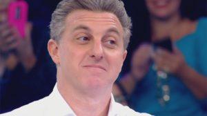 Luciano Huck é desmascarado (Foto: Reprodução/ Globo)