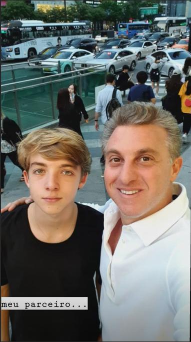 Luciano Huck e o filho Joaquim (Foto: Reprodução/ Instagram)