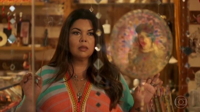 Madá (Fabiana Karla) tem visão surpreendente do futuro de personagem em Verão 90