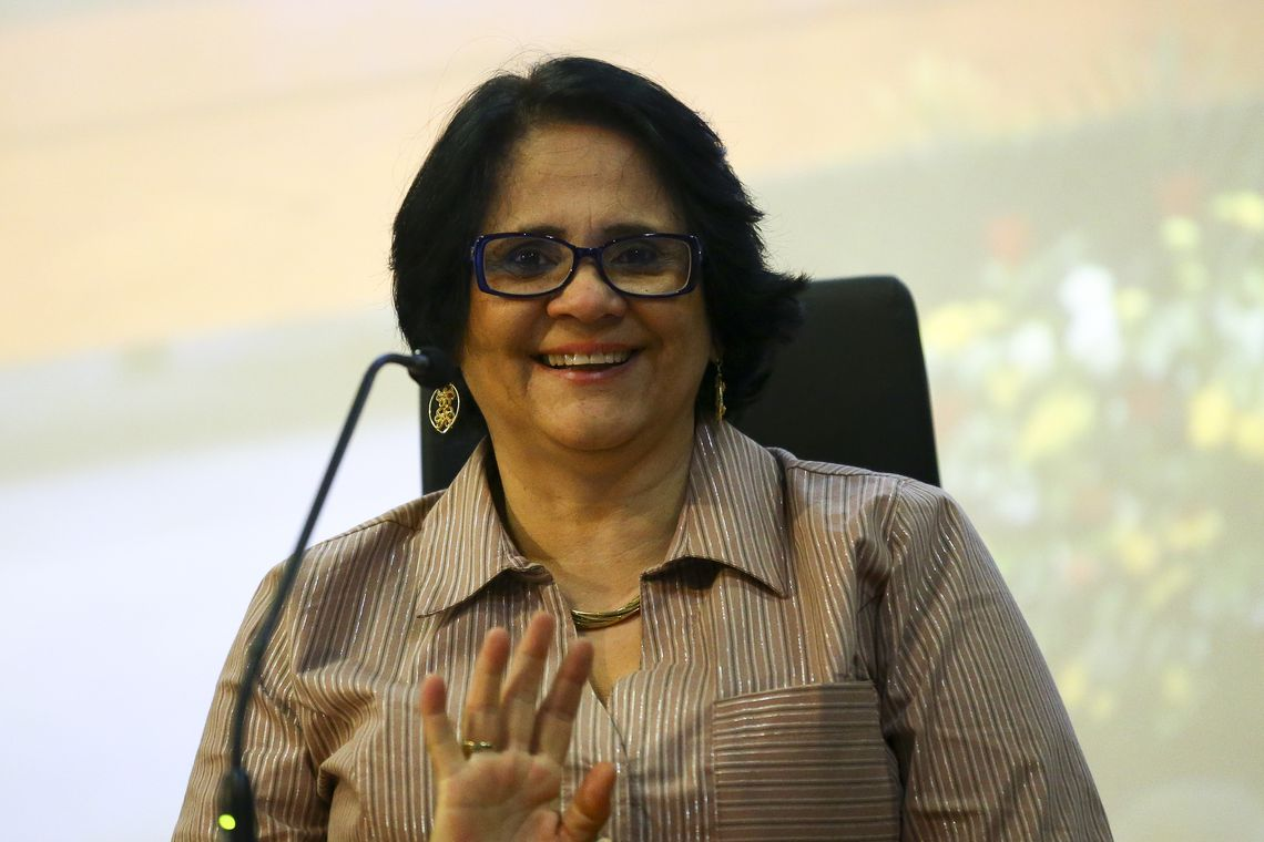 A ministra das Mulheres, Família e Direitos Humanos, Damares Alves, durante evento em comemoração ao Dia Nacional do Cigano (Marcelo Camargo/Agência Brasil)