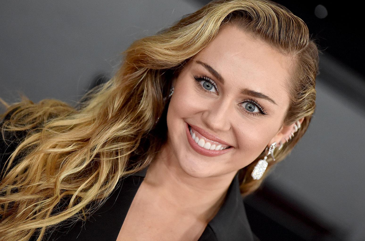 A cantora Miley Cyrus falou sobre os boatos de separação (Foto: Reprodução)